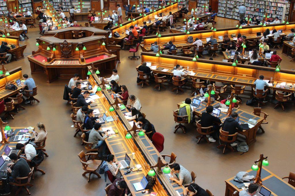 圖書館唸書